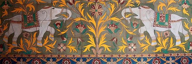 Коврик из расписных керамических плиток, Печ, Венгрия. гид по Будапешту