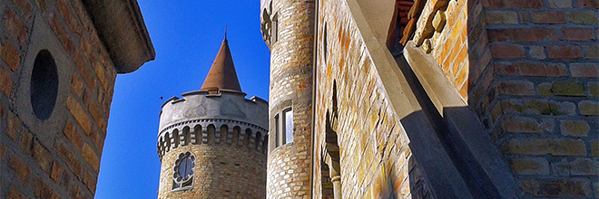 Башни замка Бори, Секешфехервар, Венгрия. гид по Будапешту